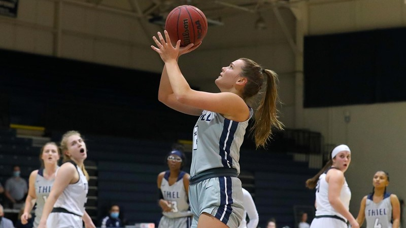 Tomcats drop home opener to undefeated Presidents - Thiel College Athletics